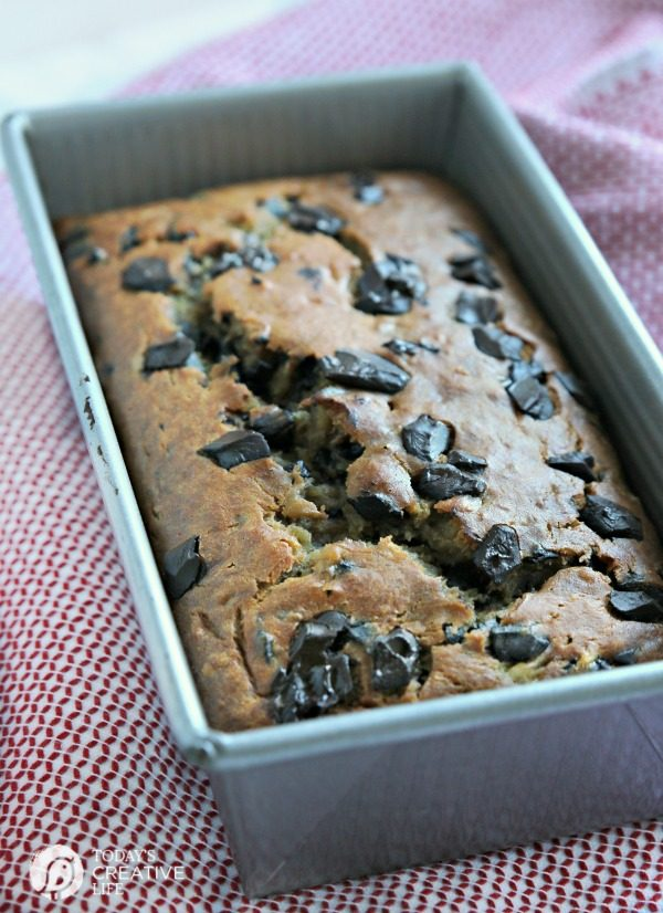 Buttermilk Banana Bread Recipe with Chocolate Chunks | TodaysCreativeLife.com
