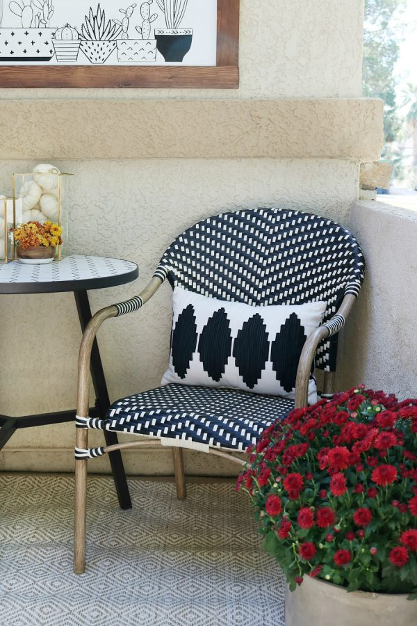 Black & White Fall Porch Ideas by Crafted Sparrow.