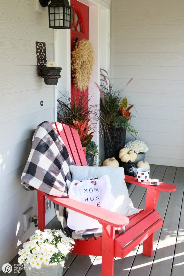 DIY Mom Hustle Tote | Free Printable iron on graphic | Great for Mom's Me Time