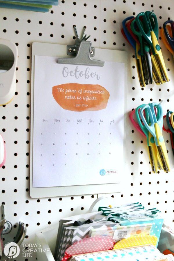 October 2017 Printable Calendar from TodaysCreativeLife.com