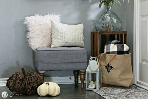 small entryway bench small entryway decorating - Small Entryway Decor