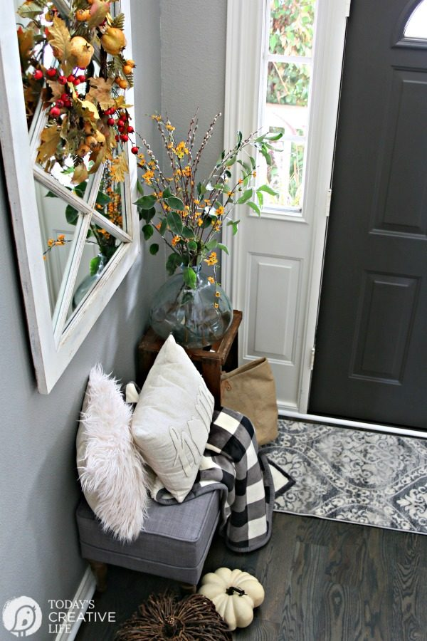 Small Entryway Decorating Ideas | Today's Creative Life