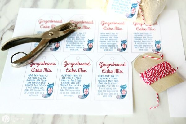 Gingerbread Cake Mix Gift Tags | TodaysCreativeLife.com