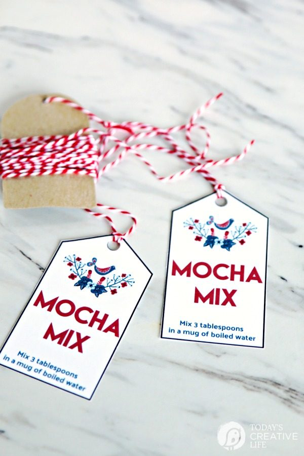 Homemade Mocha Mix Recipe Easy holiday homemade gift idea | Free Printable Gift Tags | TodaysCreativeLife.com