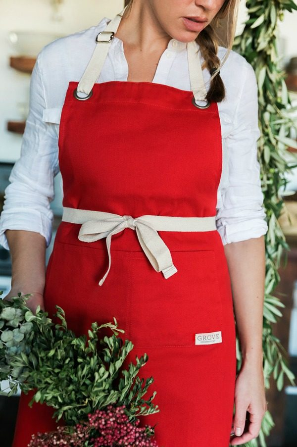 Grove Red Apron | TodaysCreativeLife.com