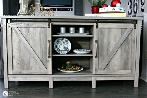 Furniture for Easy Holiday entertaining | TodaysCreativeLife.com