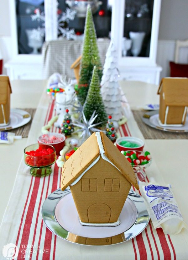Gingerbread House Decorating Party Ideas | TodaysCreativeLife.com