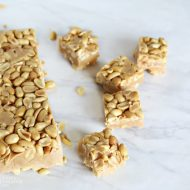 Payday Peanut Bites | No Bake easy to make peanut butter peanut bites. Payday candy bar copycat from TodaysCreativeLife.com