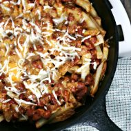Chili Cheese Fries | Skillet Recipe | comfort food appetizers | Game day Food | Super Bowl Party Food | TodaysCreativeLife.com