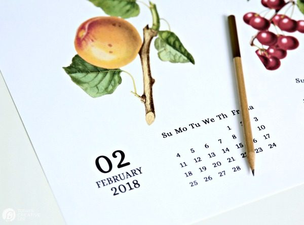 Vintage Fruit 2018 Printable Calendar from TodaysCreativeLife.com