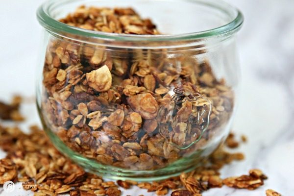 Toasted Almond Pecan Peanut Butter Granola | homemade easy to make granola | TodaysCreativeLife.com
