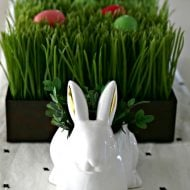 Easy Easter Table Centerpiece | Easter Decorating Ideas | Budget friendly Decor | Easter Table Ideas | TodaysCreativeLife.com