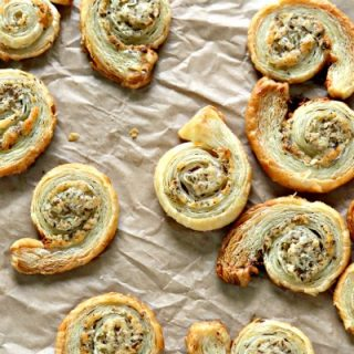 Puff Pastry Garlic Parmesan Spirals | Easy to make finger food | Savory pinwheels | Party food appetizers | TodaysCreativeLife.com