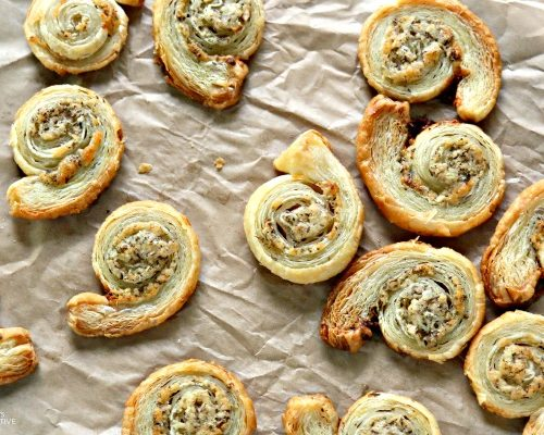 Puff Pastry Garlic Parmesan Spirals   Easy to make finger food   Savory pinwheels   Party food appetizers   TodaysCreativeLife.com