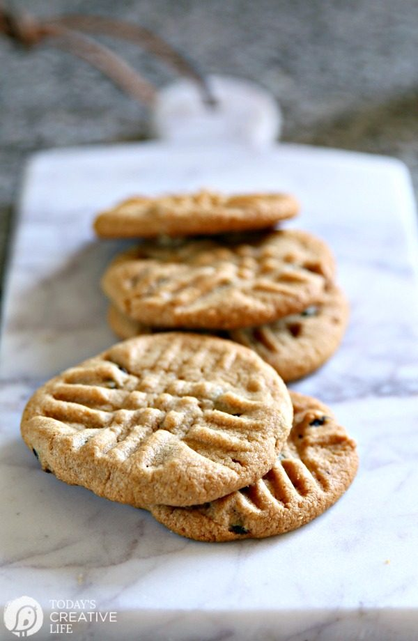 homemade chewy peanut butter cookies