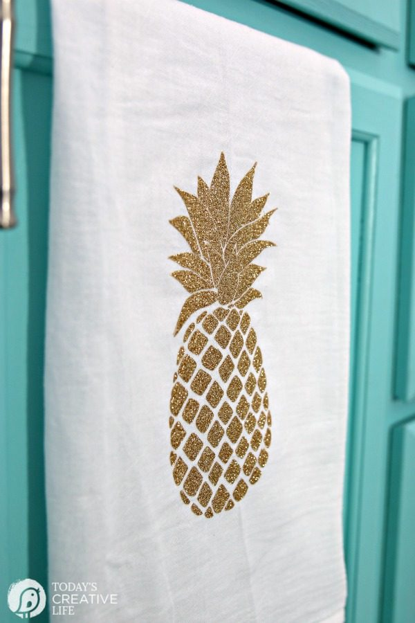 Cricut Explore Air 2 Home Decor Ideas - Martha Stewart Collection | Create Easy DIY Home Decor | Pineapple Design, Gold Glitter Iron-on using the EasyPress | TodaysCreativeLife.com