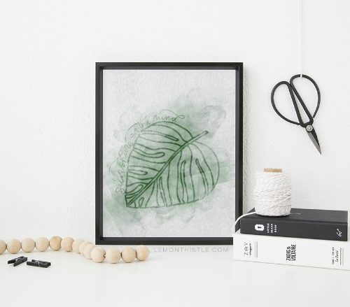 Free Printable Palm Leave Wall Art | Framable wall art | TodaysCreativeLife.com