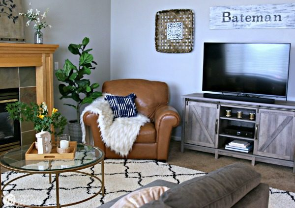 Family Room Ideas on a Budget | Today\'s Creative Life