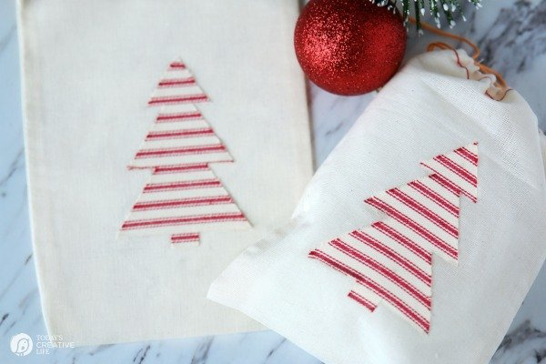 Cricut EasyPress Project Ideas | Red Ticking Christmas Trees | TodaysCreativeLife.com