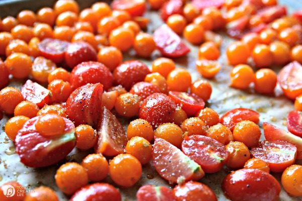 Slow Roasted Tomatoes | Prep and roast | todaysCreativeLIfe.com