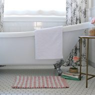 Budget Friendly Bathroom Decorating