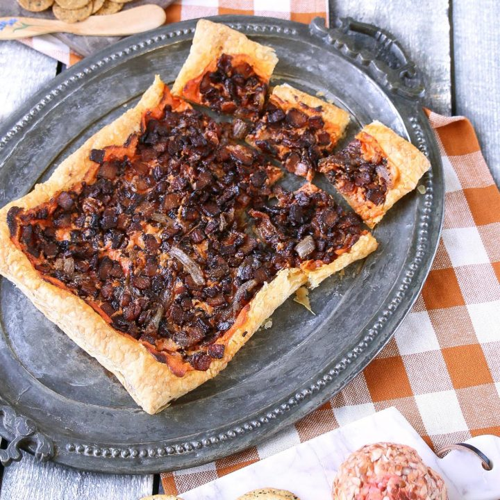 Puff Pastry Savory Tart Recipe | Easy to make appetizer with Kaukauna Spreadable Cheese Port Wine | Holiday party appetizer ideas | TodaysCreativeLIfe.com