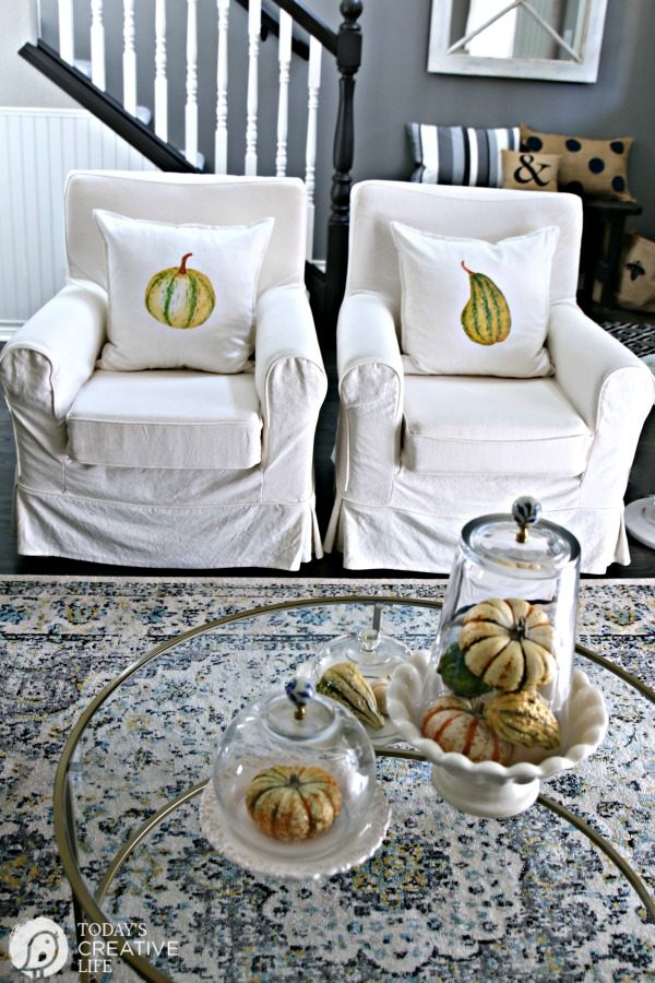 DIY Pillows for Fall | Budget-Friendly Fall Decor with Iron-on Transfer paper | Pumpkin Pillows | DIY Decorating | todaysCreativeLIfe.com