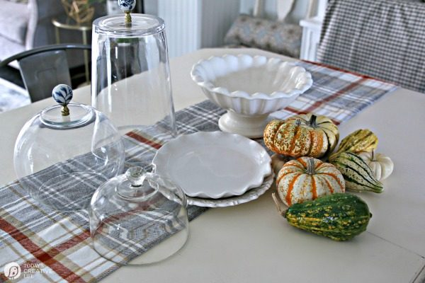 Simple Fall Table Decor | Easy Thanksgiving Centerpiece | TodaysCreativelife.com