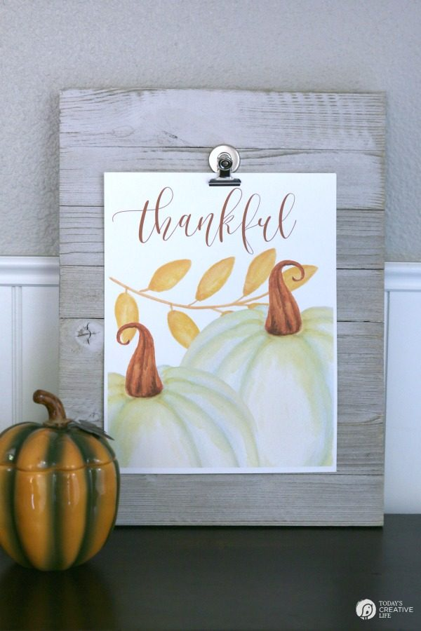 Free Printable Wall Art for Fall | Decorating with printables | TodaysCreativeLife.com