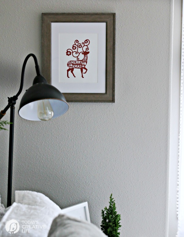Guest Bedroom Holiday Makeover |Printable Wall Art for Christmas | TodaysCreativeLife.com