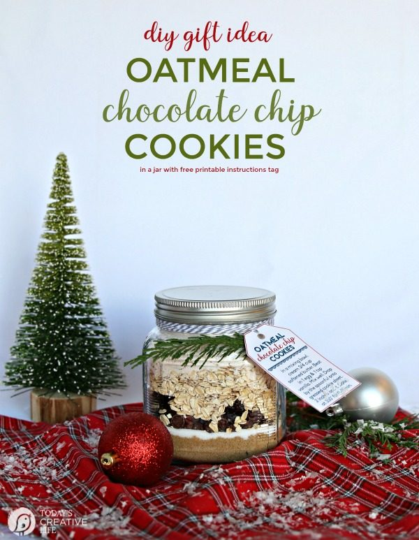 Oatmeal Cookie Mix in a Jar Recipe | DIY Gift idea | Gifts from the Kitchen | homemade Gift ideas for mason jar gifts | Edible Gifts | Oatmeal Chocolate Chip and Raisin Cookie Mix Recipe | TodaysCreativeLife.com