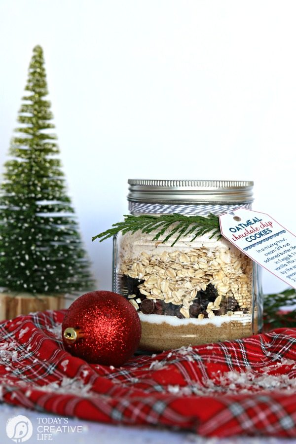 Oatmeal Cookie Mix in a jar | DIY Gift idea | TodaysCreativeLife.com