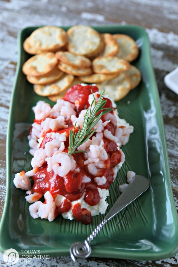 Cream Cheese Cocktail Sauce Shrimp Dip | Easy Appetizer Ideas and Recipes | TodaysCreativeLIfe.com