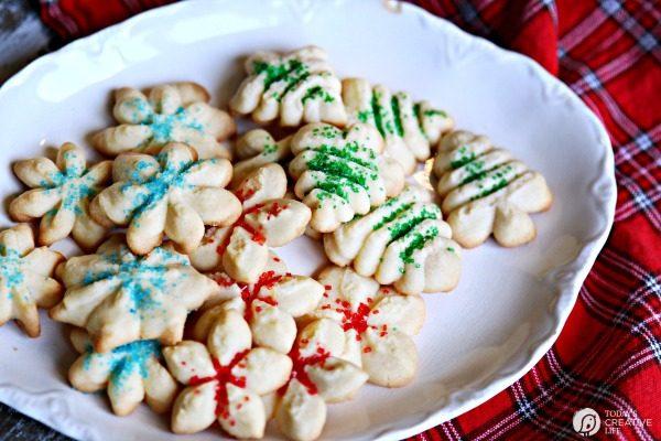 Traditional Spritz Cookies | TodaysCreativeLife.com
