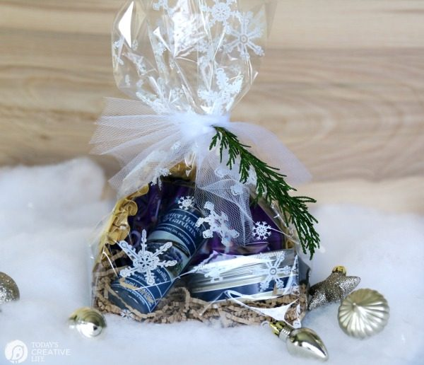 Essential oil aromatherapy gift set | TodayscreativeLife.com