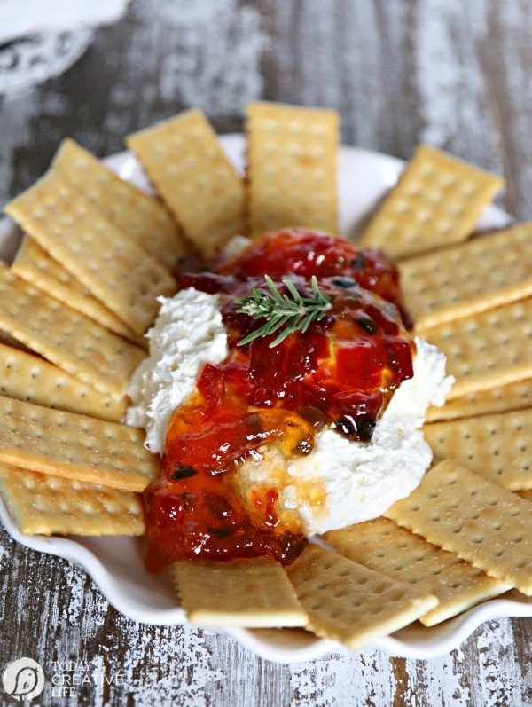 Pepper Jelly Cream Cheese Party Dip | Easy Dip Recipe | TodaysCreativeLIfe.com