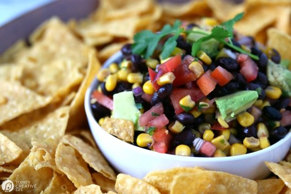 Southwestern Black Bean and Corn Salsa REcipe | TodaysCreativeLife.com