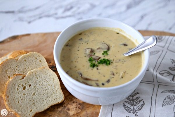 How to make homemade mushroom soup | Todayscreativelife.com