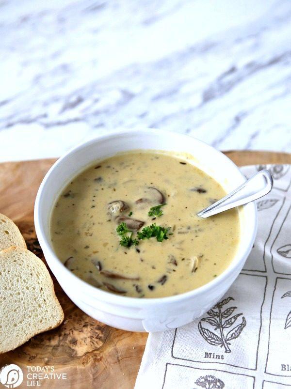 homemade mushroom soup | Creamy | TodaysCreativeLife.com