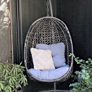 Decorating ideas for Spring | Outdoor Patio Chairs | Egg Chair | Hanging Basket Chair | TodaysCreativeLife.com