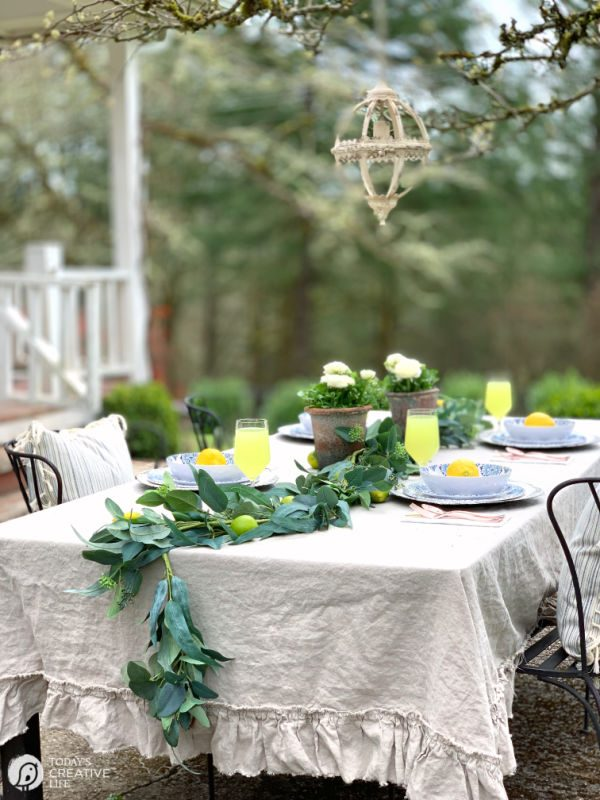 Setting your Outdoor Table | Budget Friendly Outdoor Dishes | TodaysCreativeLife.com