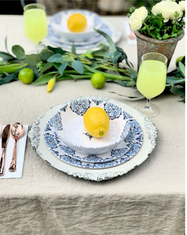 Outdoor Melamine Blue and White Dishes | todayscreativelife.com
