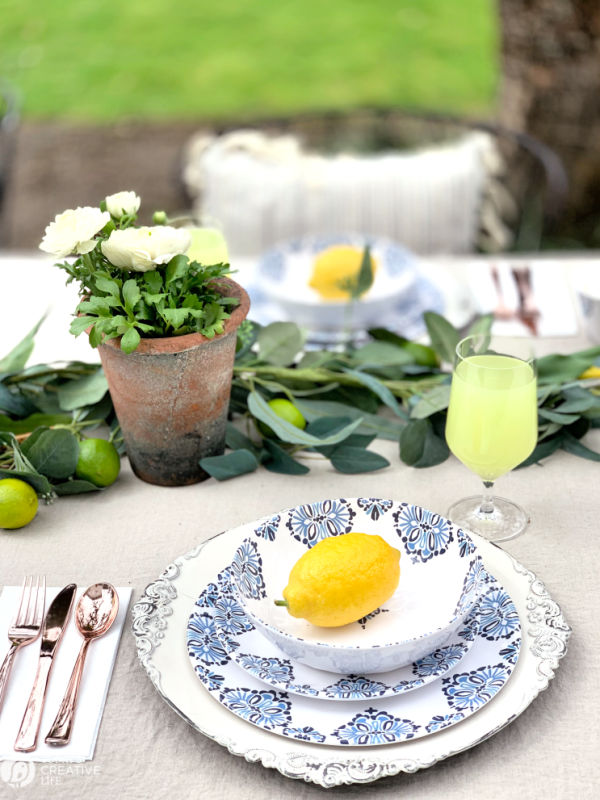 Outdoor Dining | Al Fresco Table Ideas | TodaysCreativeLife.com
