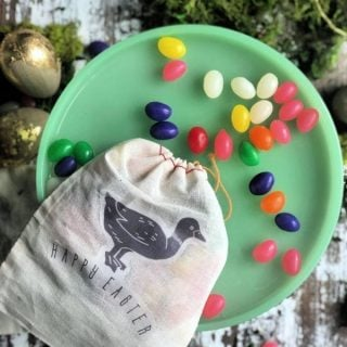 DIY Easter Treat Bags | Iron-on Transfer Paper Gift ideas | TodaysCreativeLife.com