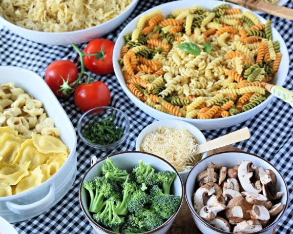 How to Host a Pasta Bar