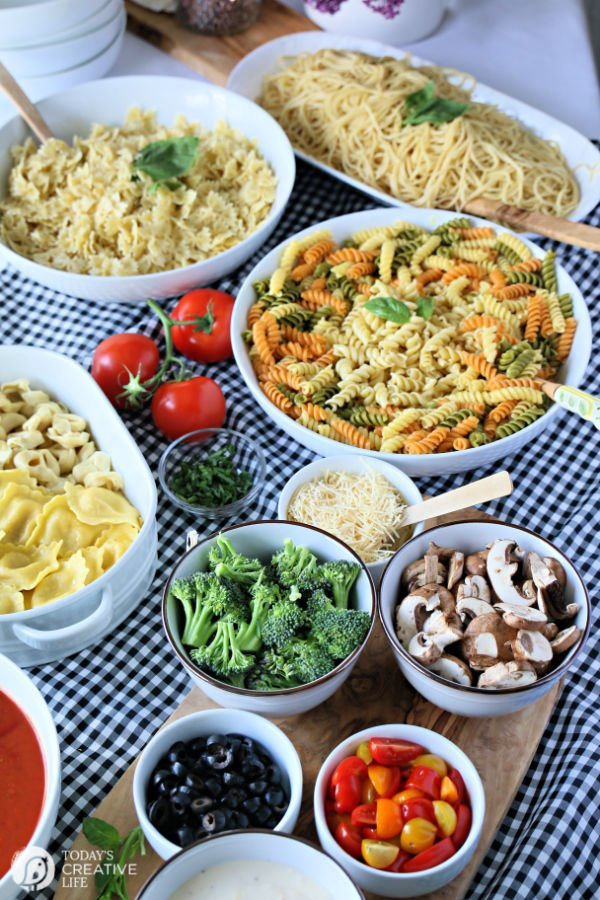 How to Host a Pasta Party Buffet | Large Crowd Party ideas | TodaysCreativeLife.com