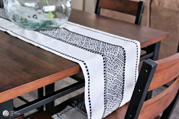 Budget Friendly Dining Table and Chairs | TodaysCreativeLife.com