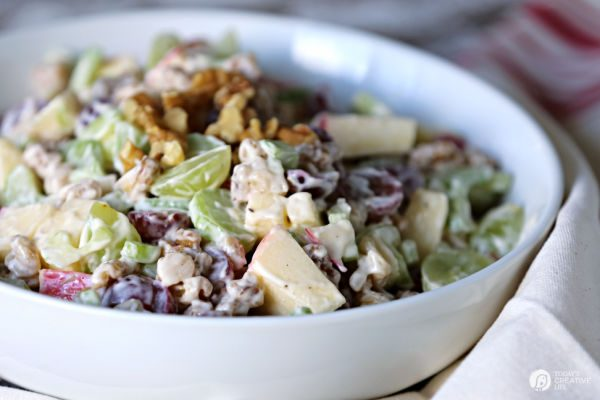 Traditional Waldorf Salad Recipe | TodaysCreativeLife.com