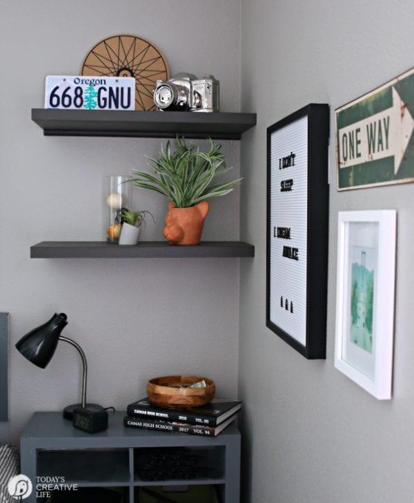 Decorating a Teen Boy Bedroom | TodaysCreativeLife.com