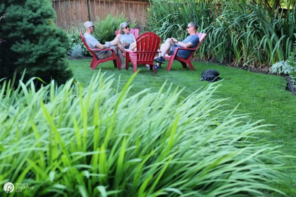 summer yard relaxing | todayscreativelife.com